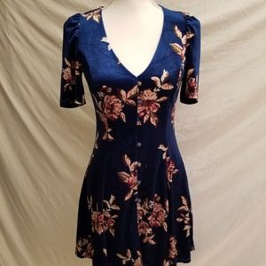 Forever 21 Velvet Blue Cute Floral Dress